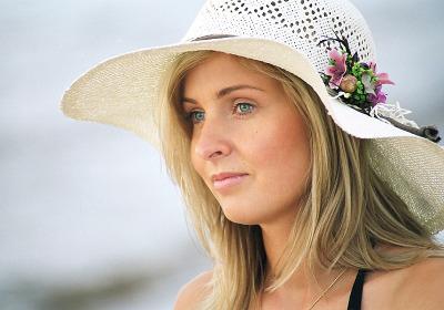Blonde_chapeau